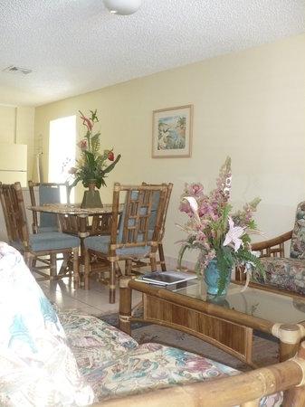 Bellavista Scott Hotel: Living/Dinning Room Area
