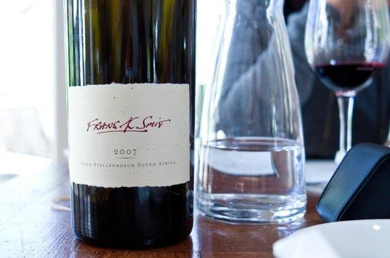 Spier Wine Farm : Wine tasting at Spier.