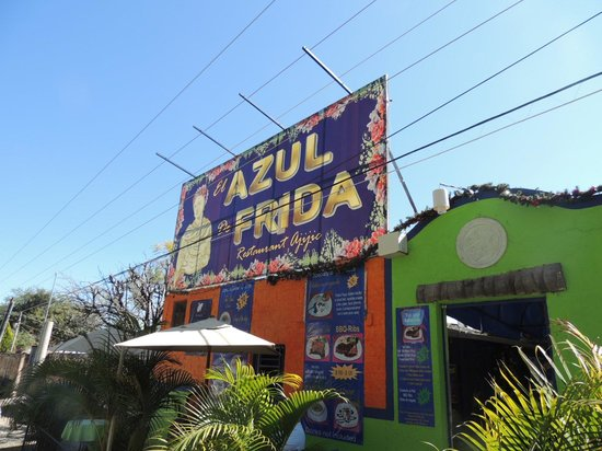 El Azul de Frida: Outside the Cafe