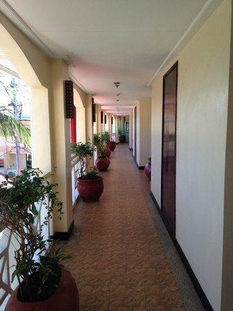 Boracay Mandarin Island Hotel : Hallway