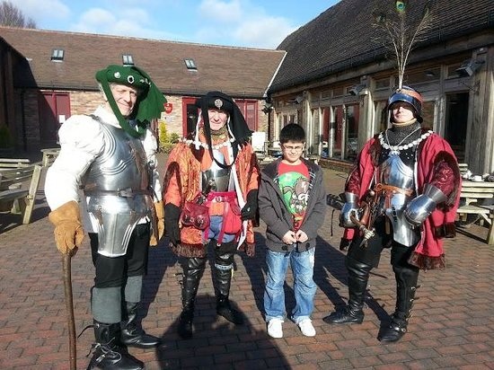 Bosworth Battlefield Heritage Centre and Country Park: My grandson meets some of the volunteers