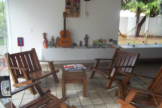Arrecifes Hostel: sala de convivencia.