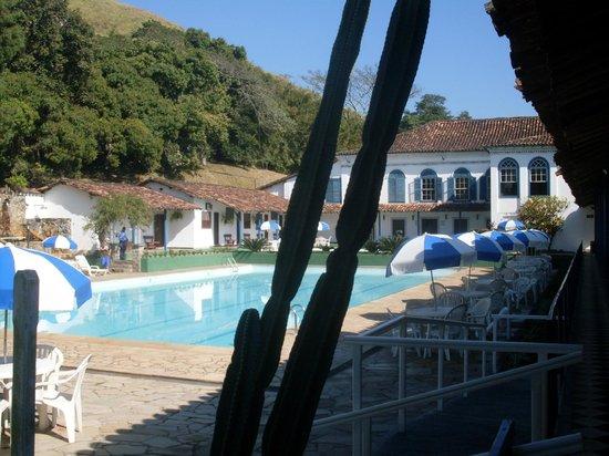 Hotel Fazenda Villa-Forte : Piscina gigante