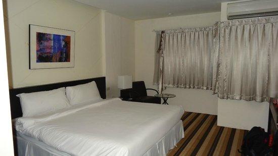 Miracle Suvarnabhumi Airport Hotel : Bathroom