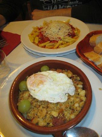 Restaurante La Realda: Migan con uvas y huevo / Macarrones con atún