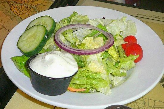 Suicide Bridge Restaurant: Side Salad