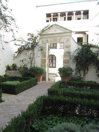 Las Casas de la Judería: patios inside the hotel