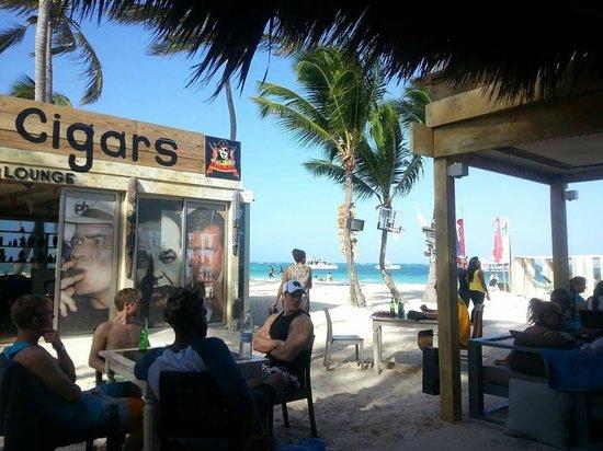 Huracan Cafe : Cigars!
