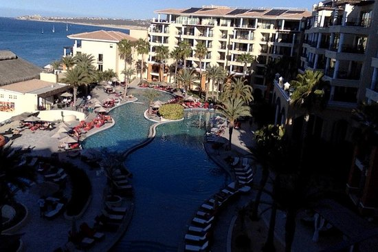 Casa Dorada Los Cabos Resort & Spa: View from our balcony towards the hotel / pool