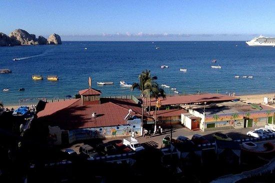 Casa Dorada Los Cabos Resort & Spa: View from balcony towards the arch