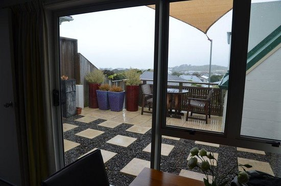 Acorns Wellington Bed and Breakfast : Private deck with amazing view