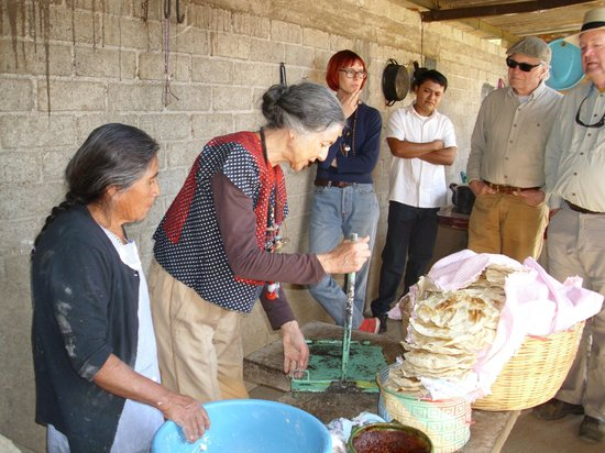 Fundacion En Via : This was a visit to a tlayudo maker, in which we were encouraged to try the tortilla making.