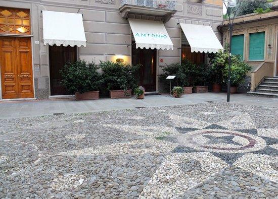 Antonio's: Piazza San Bernardo