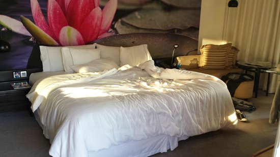 The Westin Hyderabad Mindspace : Bedroom