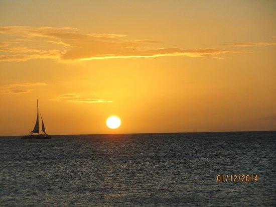 Sunset  @ Eagle Beach - January 2014