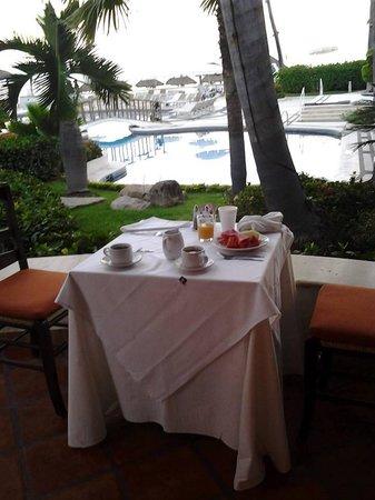 Buenaventura Grand Hotel & Great Moments All Inclusive: our romantic table