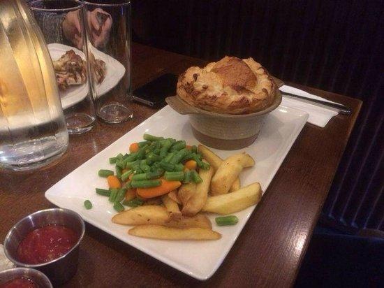 Greyfriars Bobby's Bar: scottish pie con zuppa cremosa di funghi e pollo