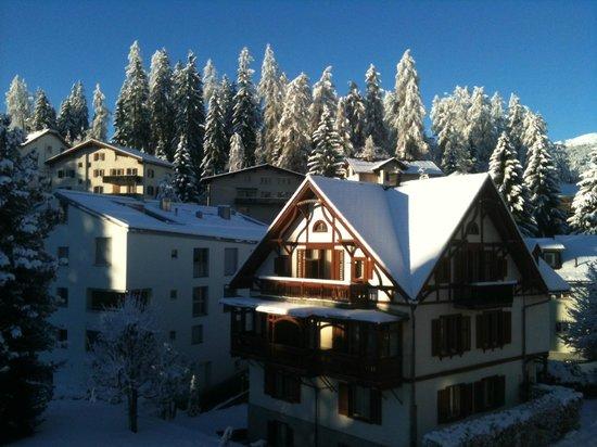 Adula Hotel: Zimmerausblick am Morgen