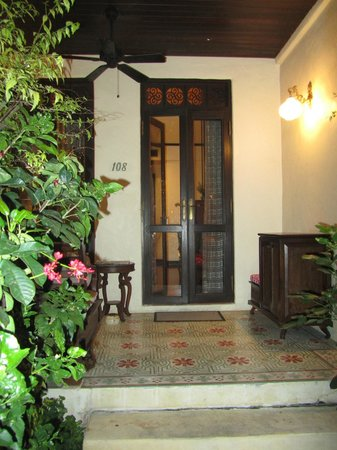 Puripunn Baby Grand Boutique Hotel : the door to my room