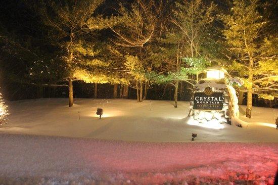 Crystal Mountain: Entrance
