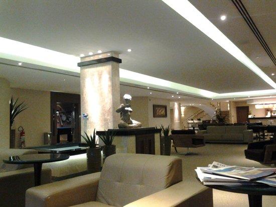 Mendes Plaza Hotel: Area do piano bar