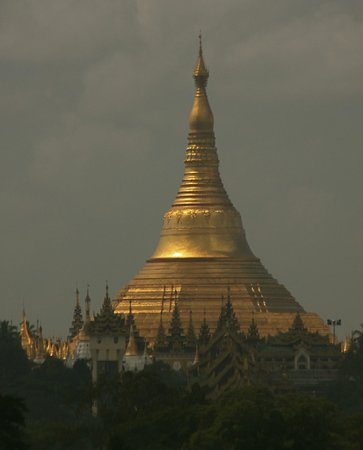 Best Western Green Hill Hotel : the Shwe Dagon Pagoda as seen from our Executive Suite 524...during the day