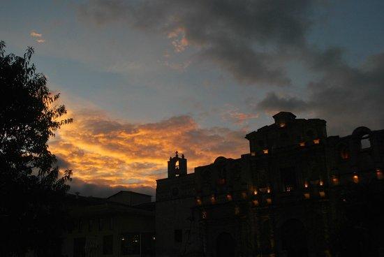 Hotel El Ingenio: Atardecer en Cajamarca