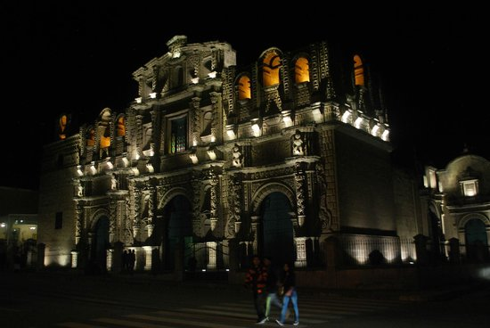 Hotel El Ingenio: Catedral Cajamarca