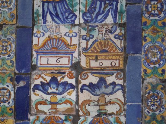 Lima Mentor: Convento Santo Domingo tile made in 1606  see date on tile