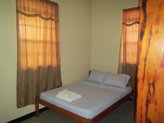 Symes Zee's Villa: Symes Zee Room