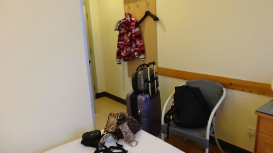 King's Joy Hotel: Small room, could be cramped with 2 or more people