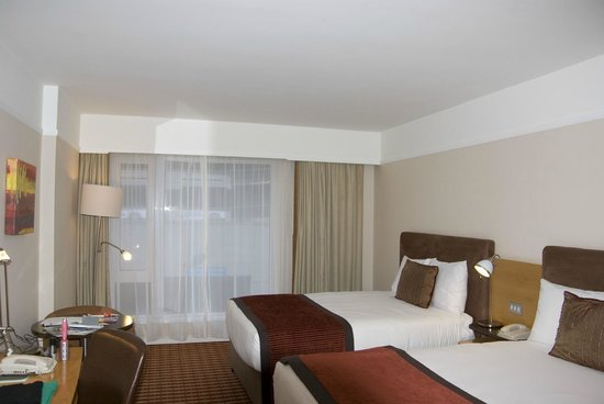 The Croke Park: Standard room with 2 double beds--very comfortable!