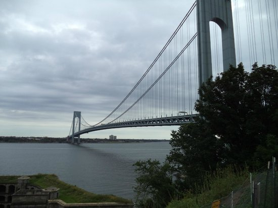 Fort Wadsworth: Verrazano–Narrows Bridge from the upper wall of the fort