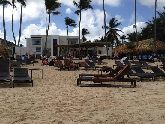 Pool Beach Area Picture Of Royalton Punta Cana Resort