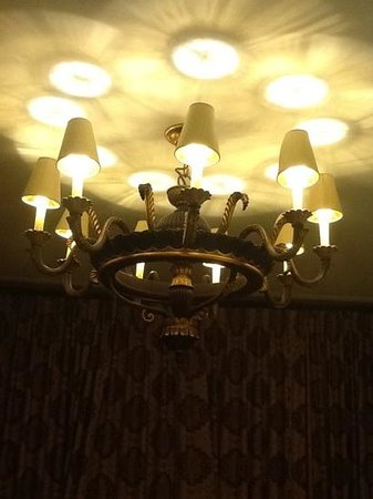 The St. Regis Washington, D.C. : overhead lighting