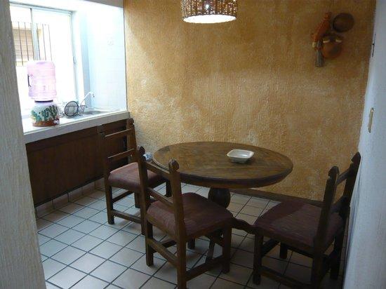Hotel Parador Santo Domingo de Guzman: Kitchen