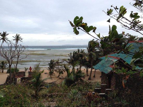 Anino Kite Retreat: Low tide