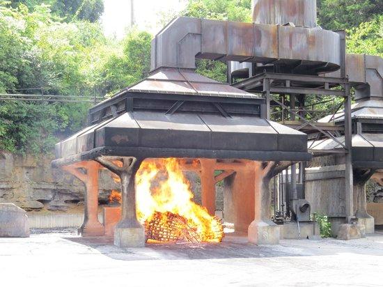 Jack Daniel's Distillery: Making charcoal