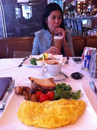 Wagyu omelette and top cappuccino...
