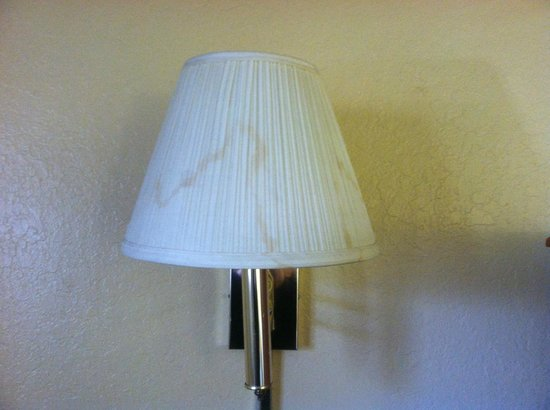 Super 8 San Bernardino/Hospitality Lane: Stains all over lampshades??!
