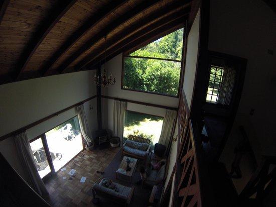 Club Los Ulmos : Vista del living desde la zona de las habitaciones de arriba