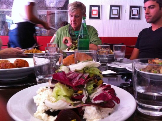 Bike Buffs - Sydney Bicycle Tours: having a nice lunch