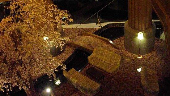 Hotel Mori no Kaze Ousyuku: シンボルの桜