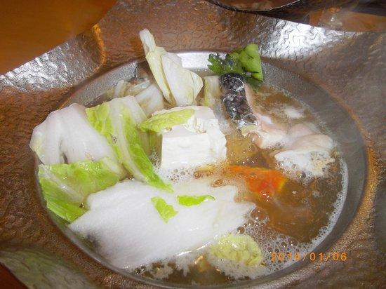 Hotel Mori no Kaze Ousyuku: 魚介肉の勝手鍋