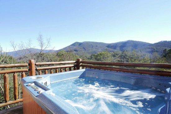 pigeon usa with in store tn the at forge lodging cabin gatlinburg resort hot reviews original tub rental tennessee