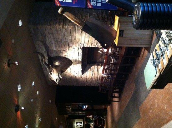 Pittsburgh Blue Steakhouse: Entry/bar