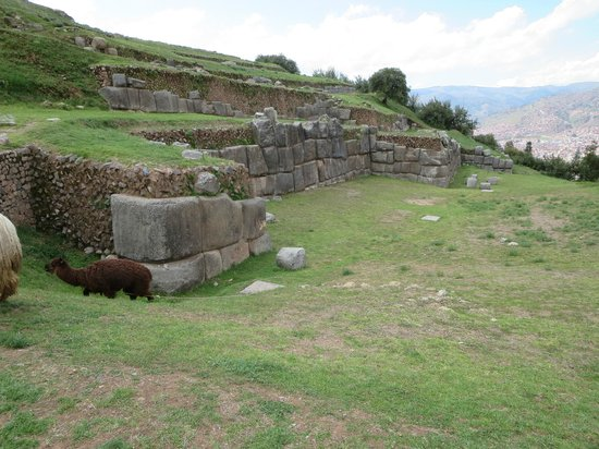Sacsayhuamán: Wall and terraces