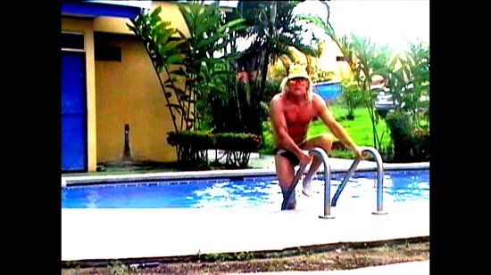 Mayol Lodge: Me at the pool