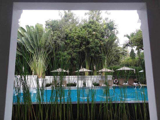 Ping Nakara Boutique Hotel & Spa: view to the pool