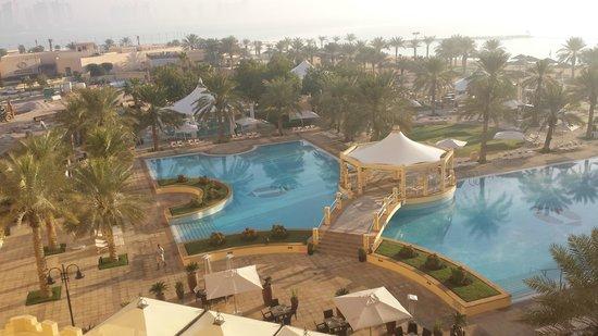 InterContinental Doha: pools